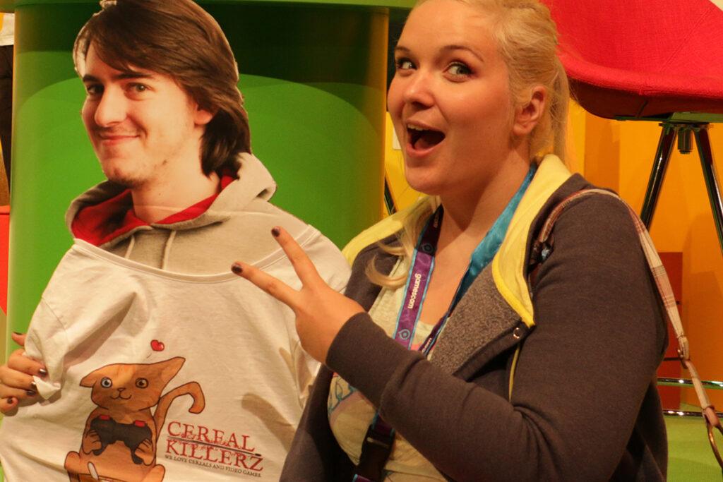 Paperbuddy aka BuddyGreenie und ich auf der gamescom 2015. ©Eric Braunbart