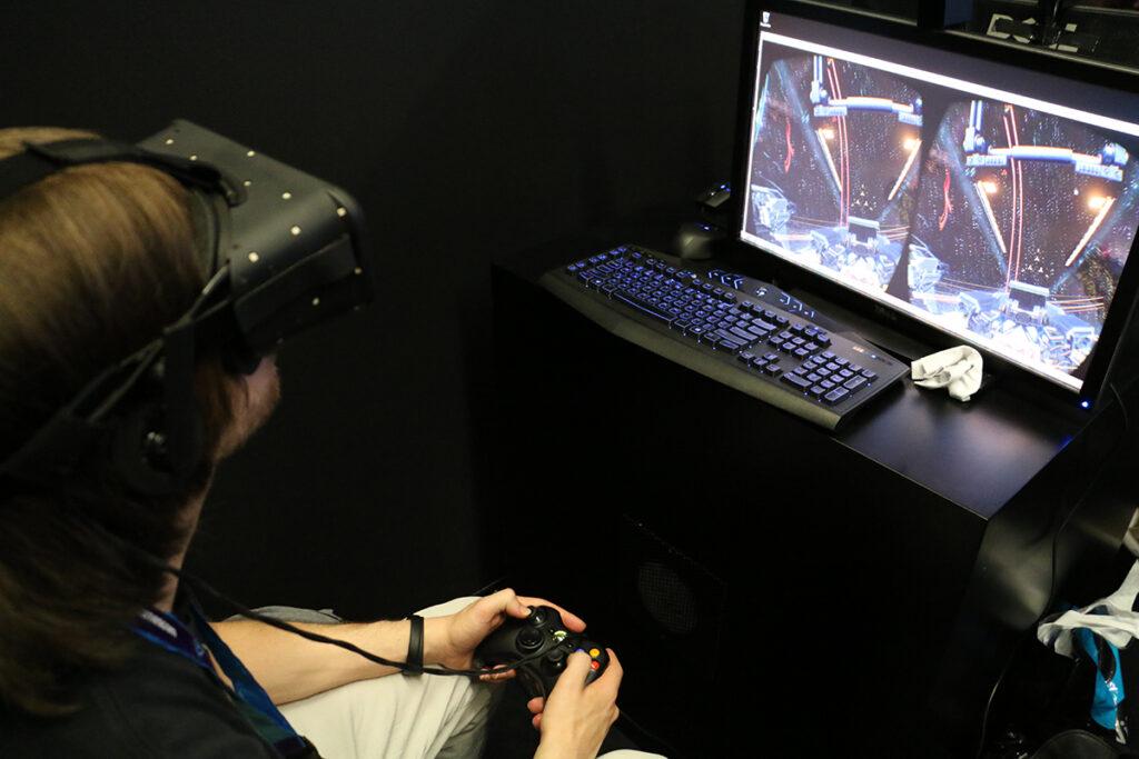 EVE Valkyrie scheint ein feines Spiel, doch ohne Controller wöre das VR-Feeling noch überzeugender. ©Katharina Dohle